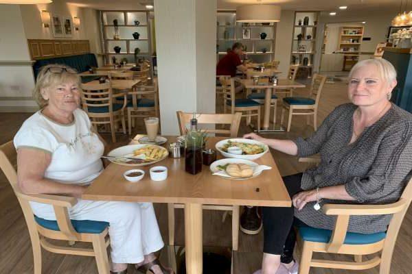 Enjoying a quiet lunch in Bradbury Restaurant